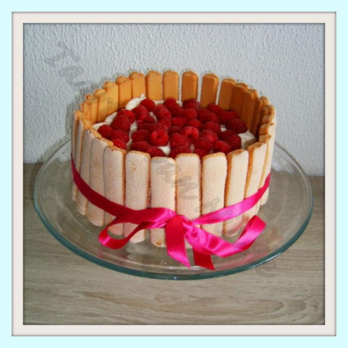 Charlotte taart met frambozenmousse & frambozen