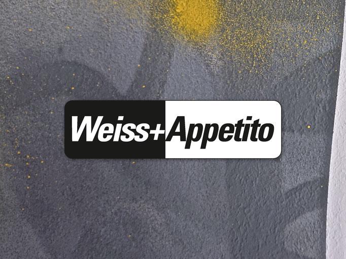 WEISS + APPETITO AG - KERZERS / Wandgestaltung, Schablonentechnik,Hochwertige SprühlackemitverschiedenenGrautönen.
