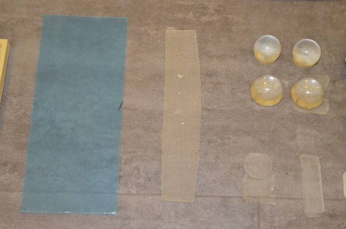 Die Klarsicht-Teile für die Fenster, Antriebe und im Interieur