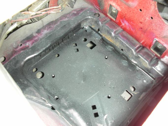 Rostalarm Batteriemulde, wurde gleich gegen eine neue ersetzt