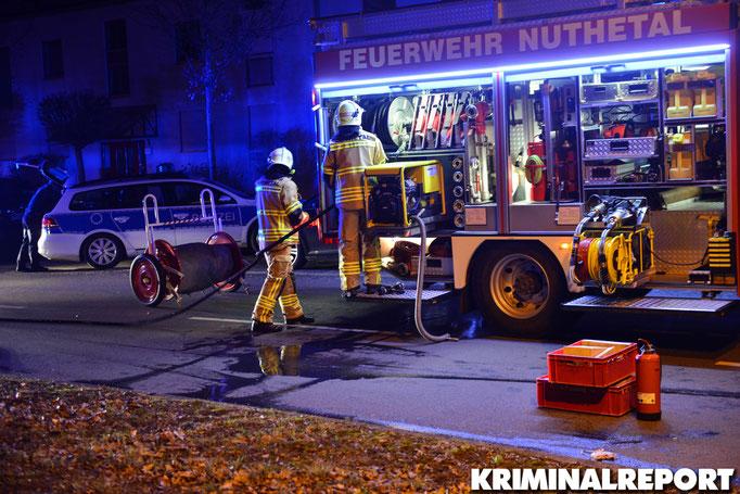 Die Feuerwehr Nuthetal am Unfallort. Foto: Kevin Wuske