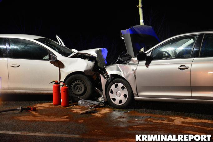 Die Fahrzeuge stießen frontal zusammen.|Foto: Kevin Wuske