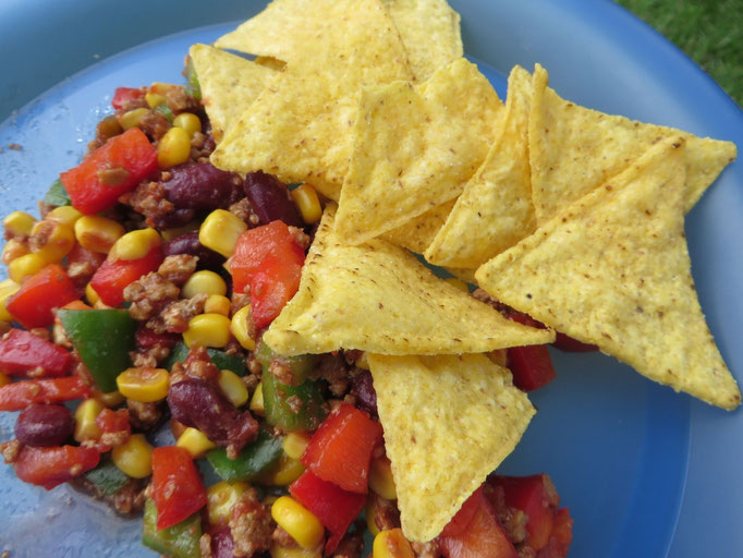 Damit haben wir uns vor all dem Spielen gut gestärkt: Taco-Salat
