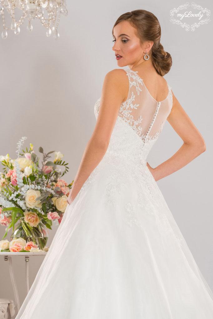 Brautmode NEU elegant feine Spitze bei München Prinzessin myLovely Knopfleiste Träger White