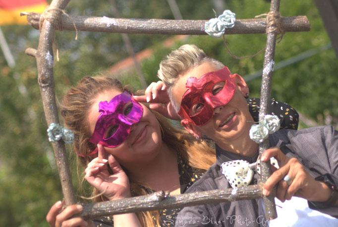 """""""Das Lächeln ist ein Fenster, durch das man sieht, ob das Herz zu Hause ist"""" -Liebenswert- Hochzeitfotografie - Samara Blue/Kerstin Ellinghoven - Fotografin in Krefeld - Lady-Sahmara-Photo"""