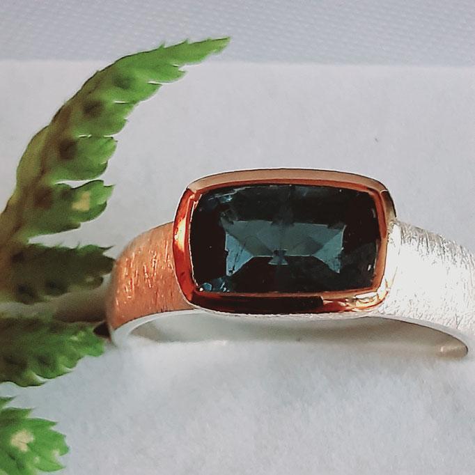 ring-turmalin-gruen-9x6 mm-silber-925-sterling-fassung vergoldet