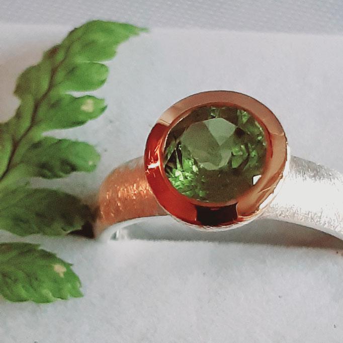 ring-peridot-gruen-7 mm-silber-925-sterling-fassung vergoldet