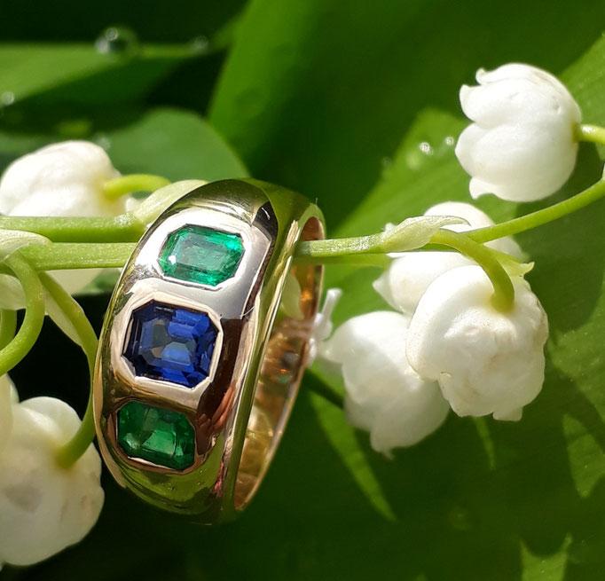 Ring-Unikat-Safir-Smaragd-750-Gelbgold-massiv