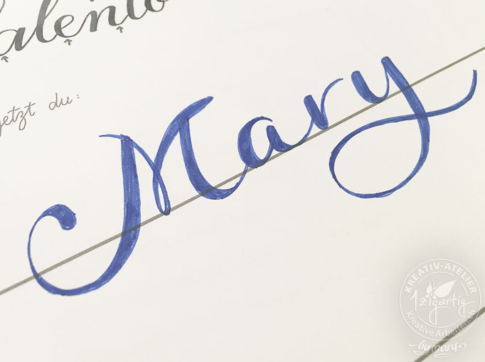 Mary in Faux-Calligraphy Stil