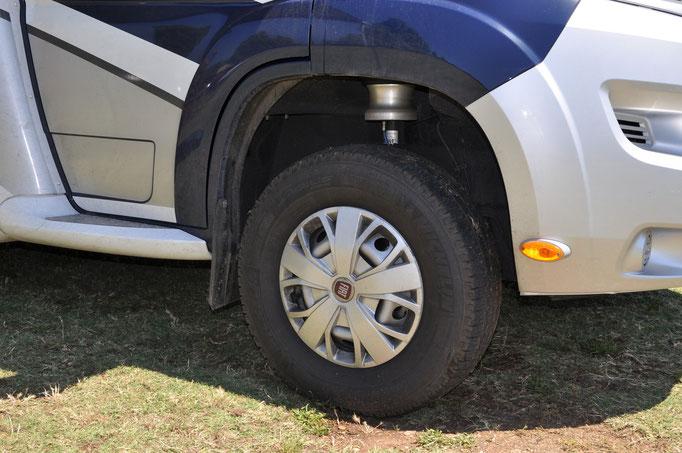 Fahrwerk vorne hochgefahren Niveauregulierung Standplatz
