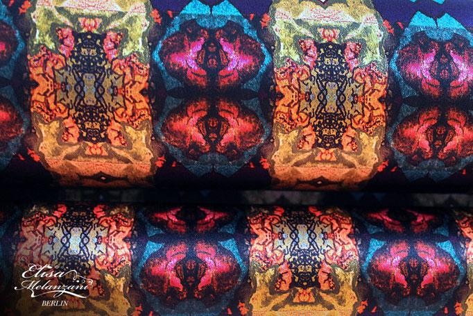 Design -fishkiss- Kollektion: TREASURY olivine - Seidenstoff  © ELISA MELANZANI BERLIN