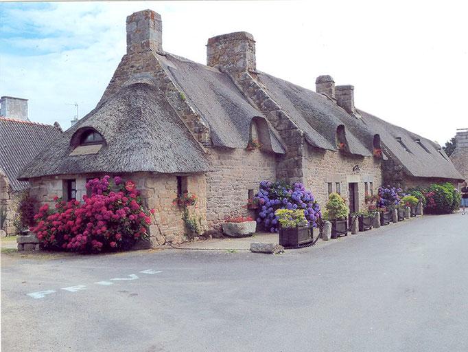 Dorfmuseum mit Reeddächern