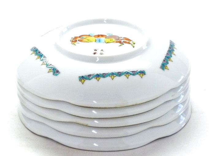 九谷焼通販 おしゃれな皿揃え 小皿 魚紋絵変り 4寸梅型 裏絵 裏の図