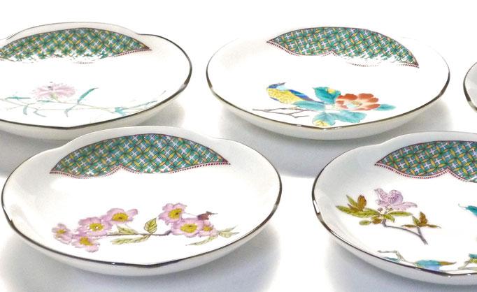 九谷焼通販 おしゃれな小皿 皿揃え 4寸梅型 草花絵変り 裏絵