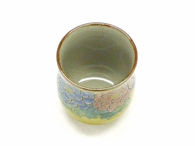 九谷焼通販 おしゃれなお湯呑 湯飲み ゆのみ茶碗 小 吉田屋(濃い塗り)牡丹 裏絵 上からの図