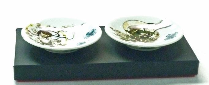 百華園-九谷焼ペア小皿 風神雷神 裏絵 3寸花びら型