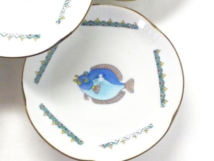 九谷焼『皿揃え』 魚紋絵変り 4寸梅型  裏絵