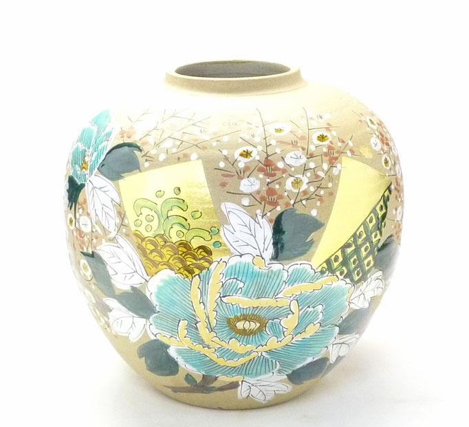 九谷焼通販 おしゃれな花瓶 花器 金箔 牡丹 梅 正面の図