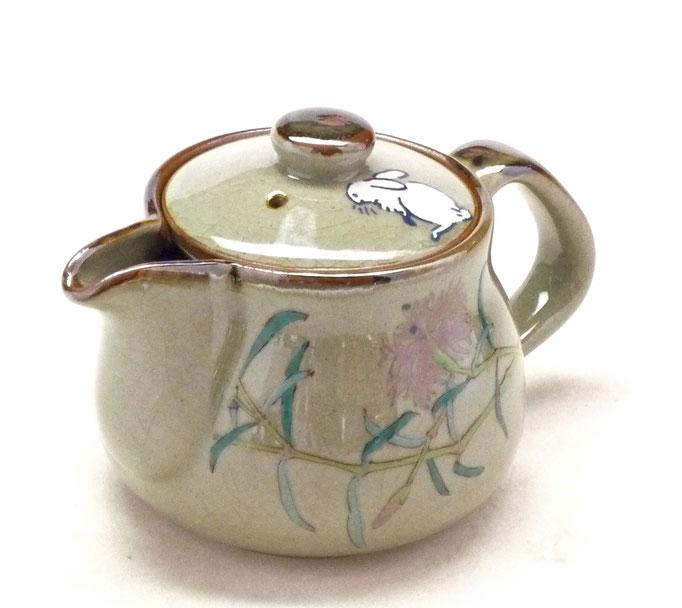 九谷焼通販 おしゃれな急須 茶器 ティーポット 小 白兎なでしこ『裏絵』正面の図