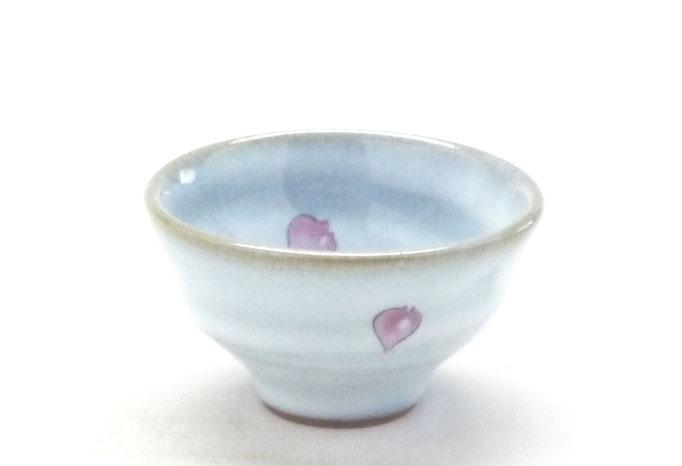 九谷焼通販 おしゃれな盃 ぐい呑み 白兎ソメイヨシノ 横からの図