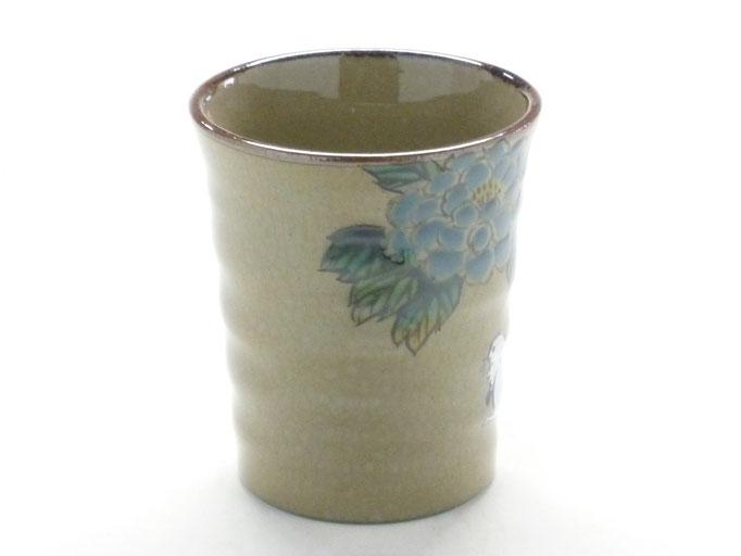 九谷焼通販 おしゃれなマグカップ マグ 白兎 色絵牡丹 横の図
