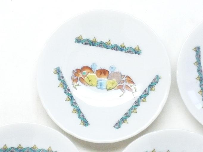 九谷焼『皿揃え』魚紋絵変わり 3寸花弁型