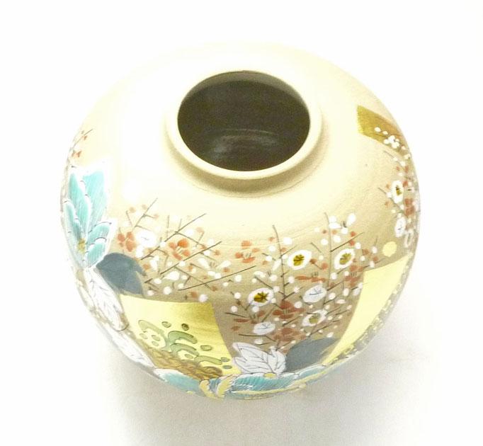 九谷焼通販 おしゃれな花瓶 花器 金箔 牡丹 梅 上からの図