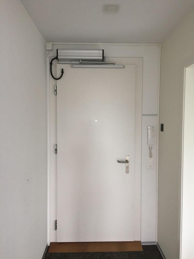 Wohnungstüre in Belp