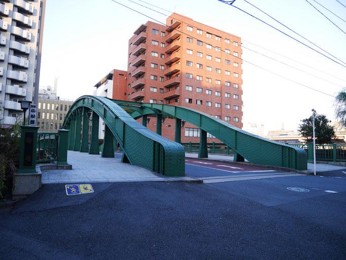 柳橋。色気のある鉄橋です。