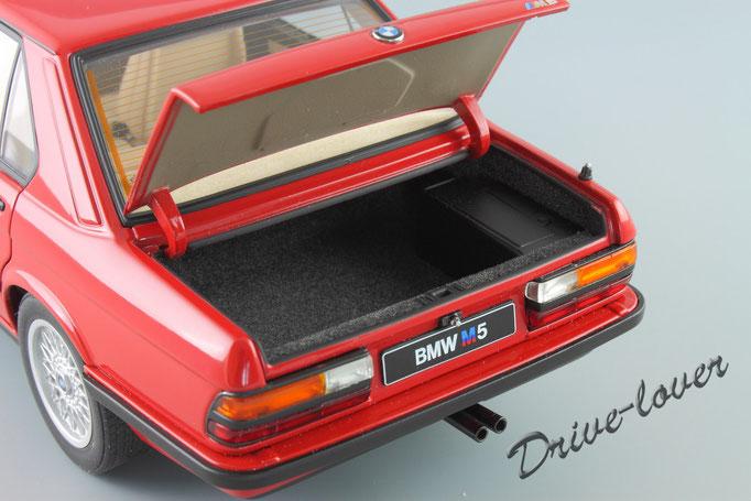 BMW M5 Zinnober Red Autoart 75152