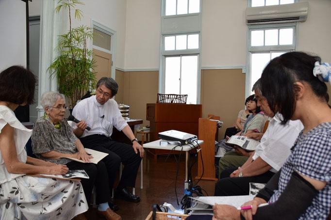 平和聖日インタビューが始まって、教会の皆さんも耳を傾けて居るところです。