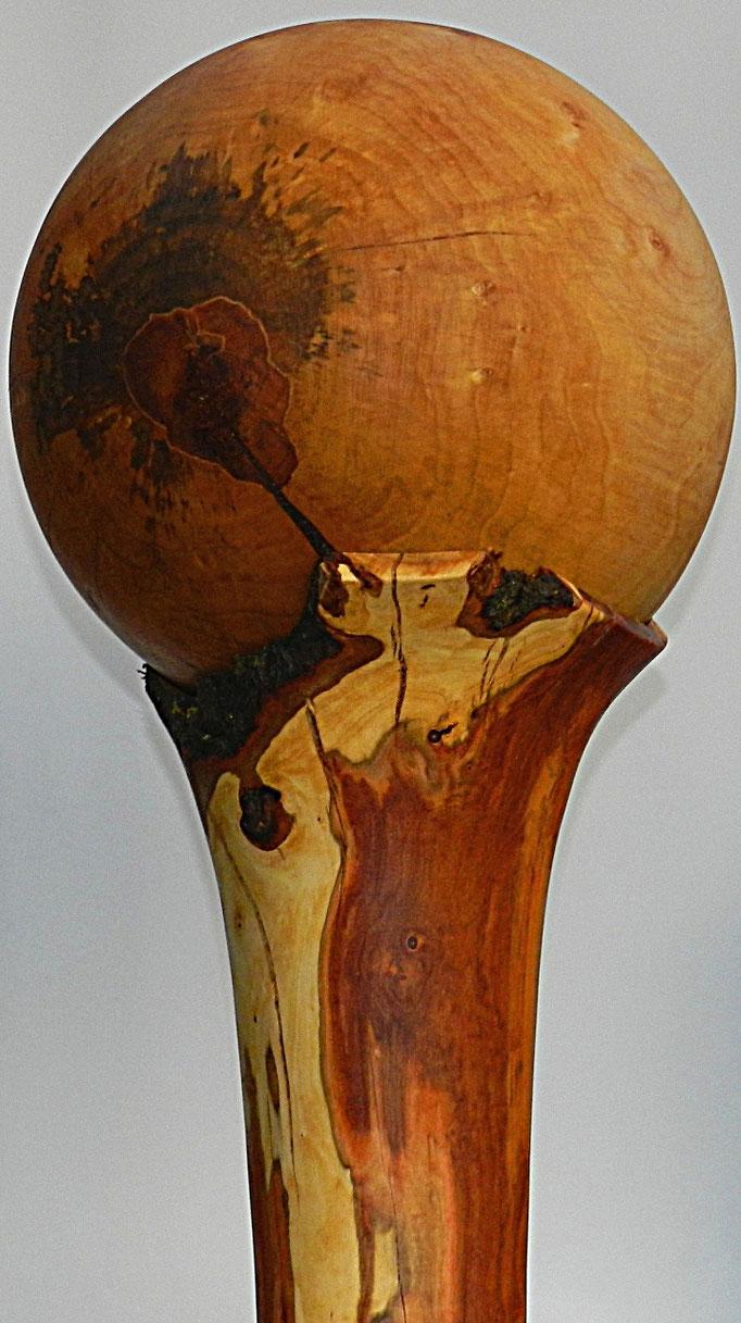 Objekt 4: Kugel Birke Ø: 260mm,  Fuß Zwetschge H: 260mm, Ø: 95mm - 230mm Gesamthöhe: 490mm  -  Verkauft!