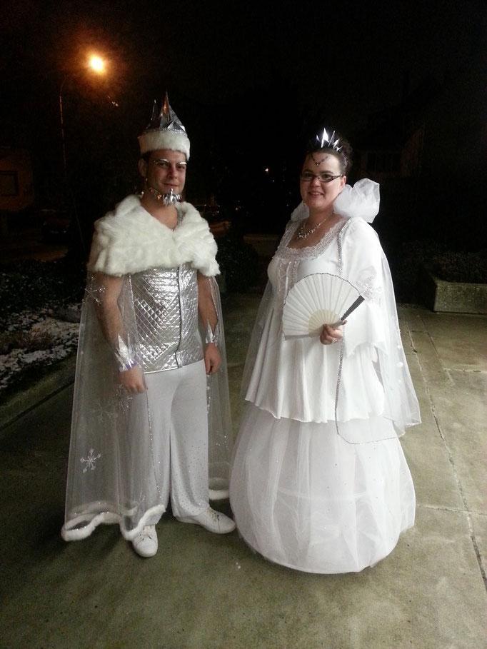 Karnaval Kostüme im Doppelpack - Schneekönig- und Königin