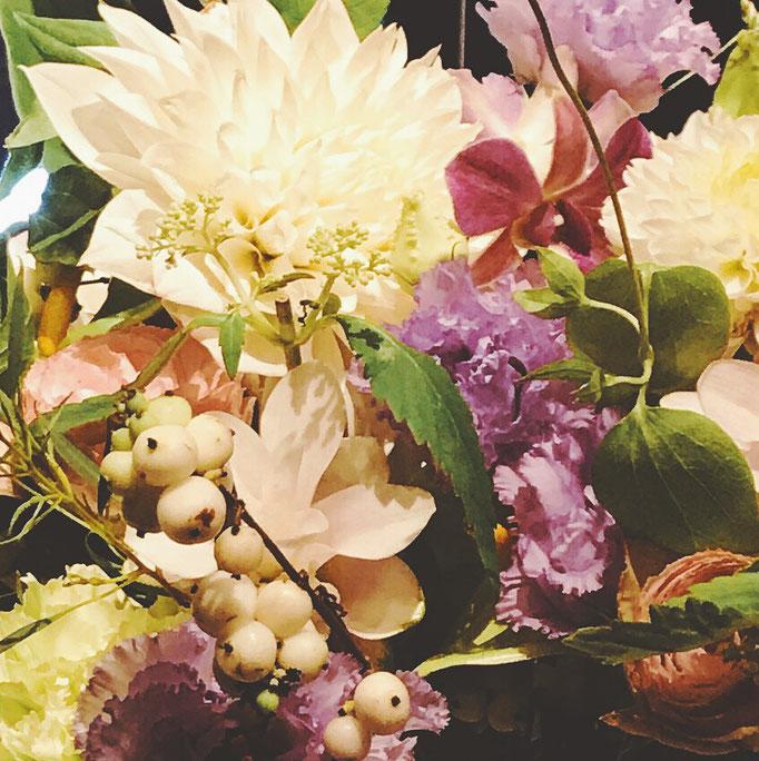 お祝いのお花もたくさんいただき、ありがとうございました!