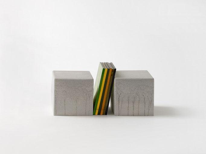 M 024-2018, Beton und Antikglas, ca. 6x13x5cm