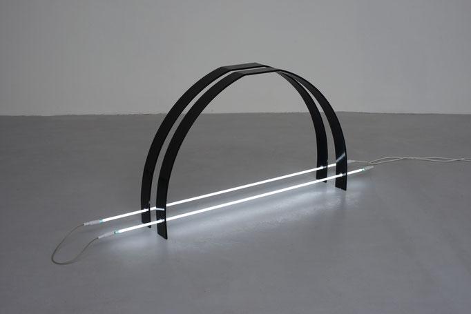 I 04-2015, Eisen lackiert, Neon, 160cm