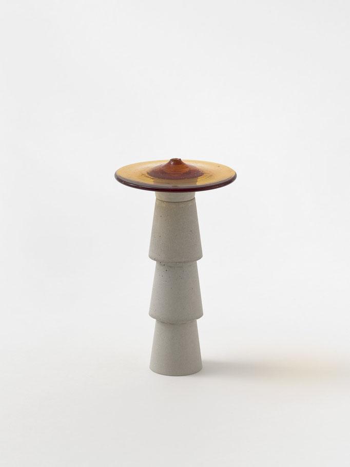 M 042-2018, Beton und Butzenglas, ca. 13x8x8cm