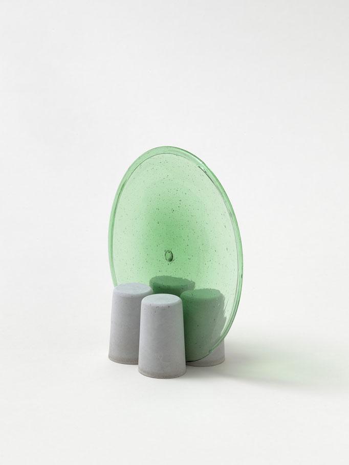 M 035, Beton und Butzenglas, ca. 12x6x 12cm
