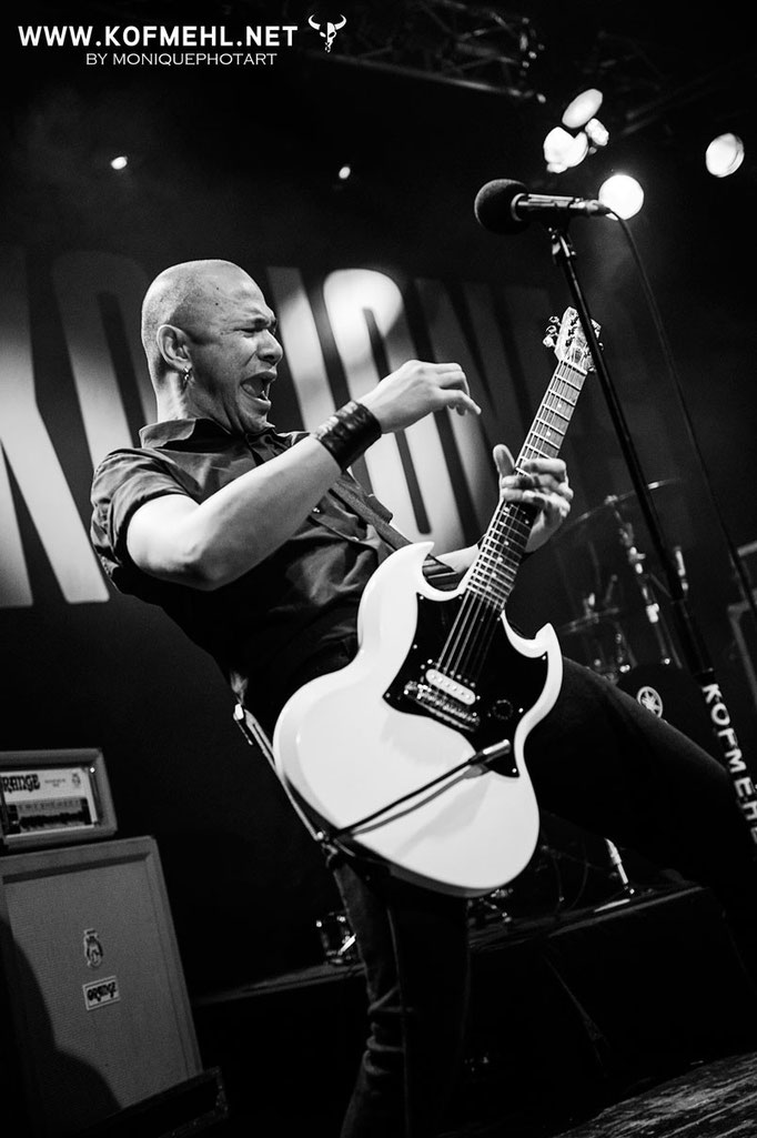 Danko Jones (Canada) - all rights: moniquephotart