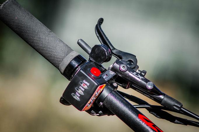 acceleratore del manubrio della bici elettrica mountain bike