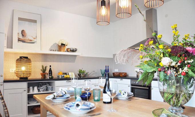 Landhausküche mit Spülmaschine