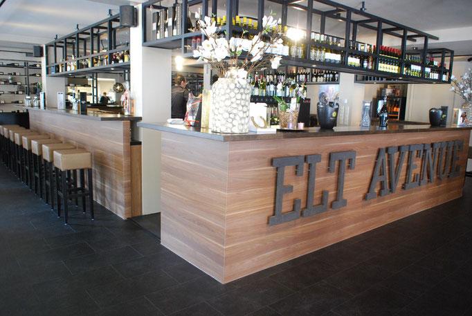 Bar, elt avenue