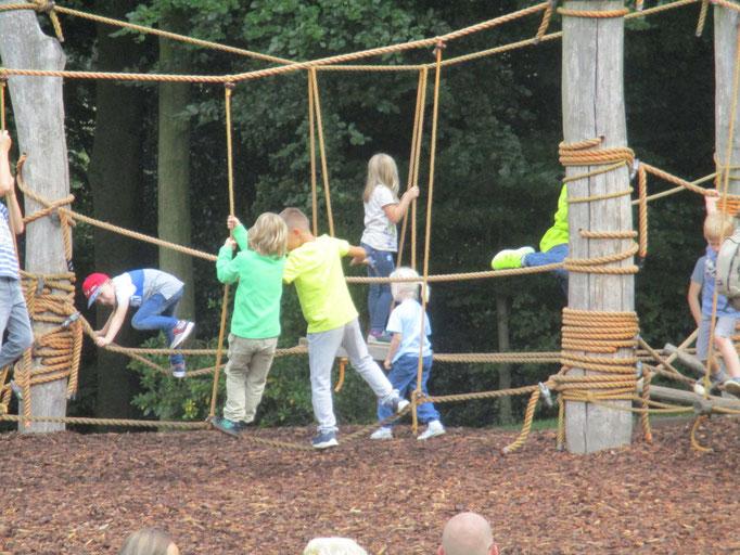 Hangeln, klettern und kollaborieren
