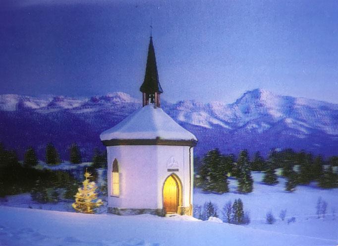 Kapelle mit Blick auf die Allgäuer Alpen