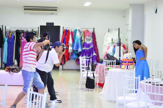 Practica Fotográfica de fotos para 15 años en salón de eventos