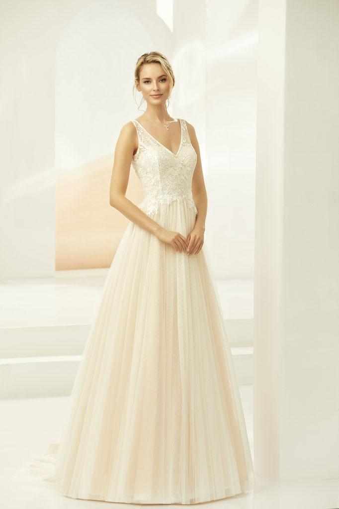 Brautkleid mit Illusionsspitze, Champagner, Satinrock mit Tüll-Oberrock, A-Linie, V-Ausschnitt vorn und hinten