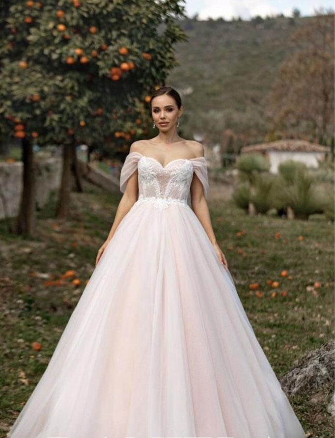 Prinzessinnen Brautkleid, abnehmbare Carmen Träger, glitzernder Tüllrock, Herzausschnitt, Corsage, Duchesse