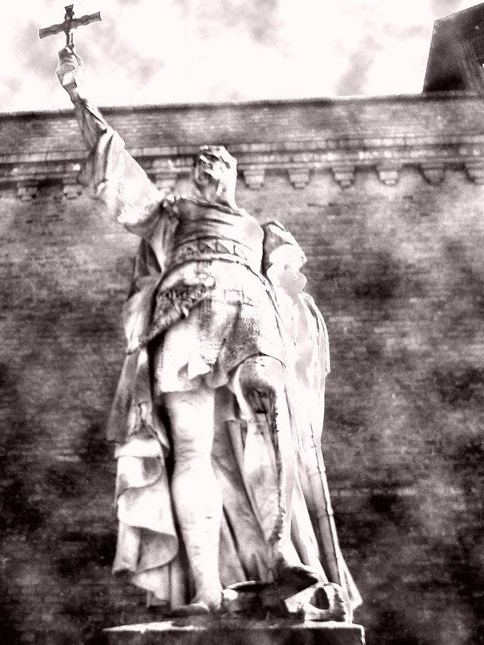 Historische Steinplastiken Berlin: Denkmal - Albrecht der Bär von Brandenburg - Zitadelle Spandau