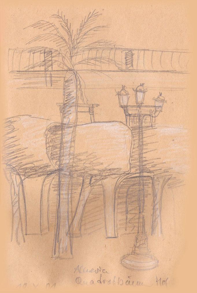 Quadratförmig geschnittene Bäume im  Burghof von Almeria
