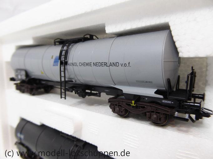 Märklin 47886 Set 2 Chemie-/ Tank-Kesselwagen der NS Einmalige Serie